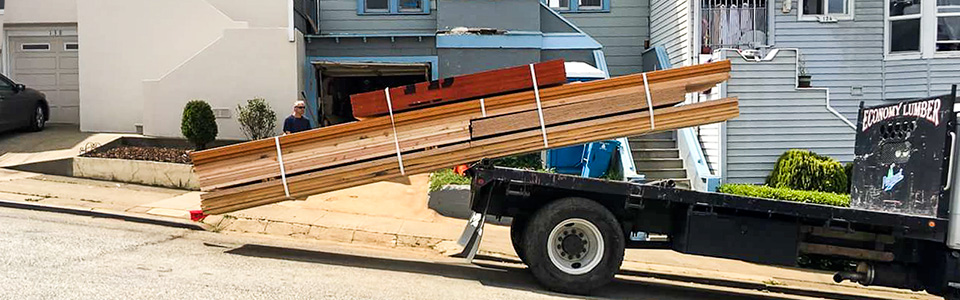 Curbside lumber delivery in Oakland, CA
