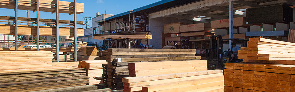 The lumberyard of Economy Lumber Piedmont